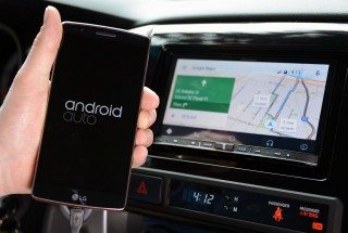 CarPlay vs. Android Auto – Comparing Google and Apple in Your Car