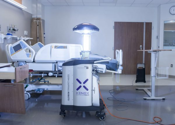 xenox robot cleaner in hospital